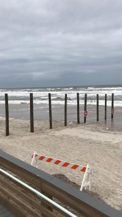 beach poles